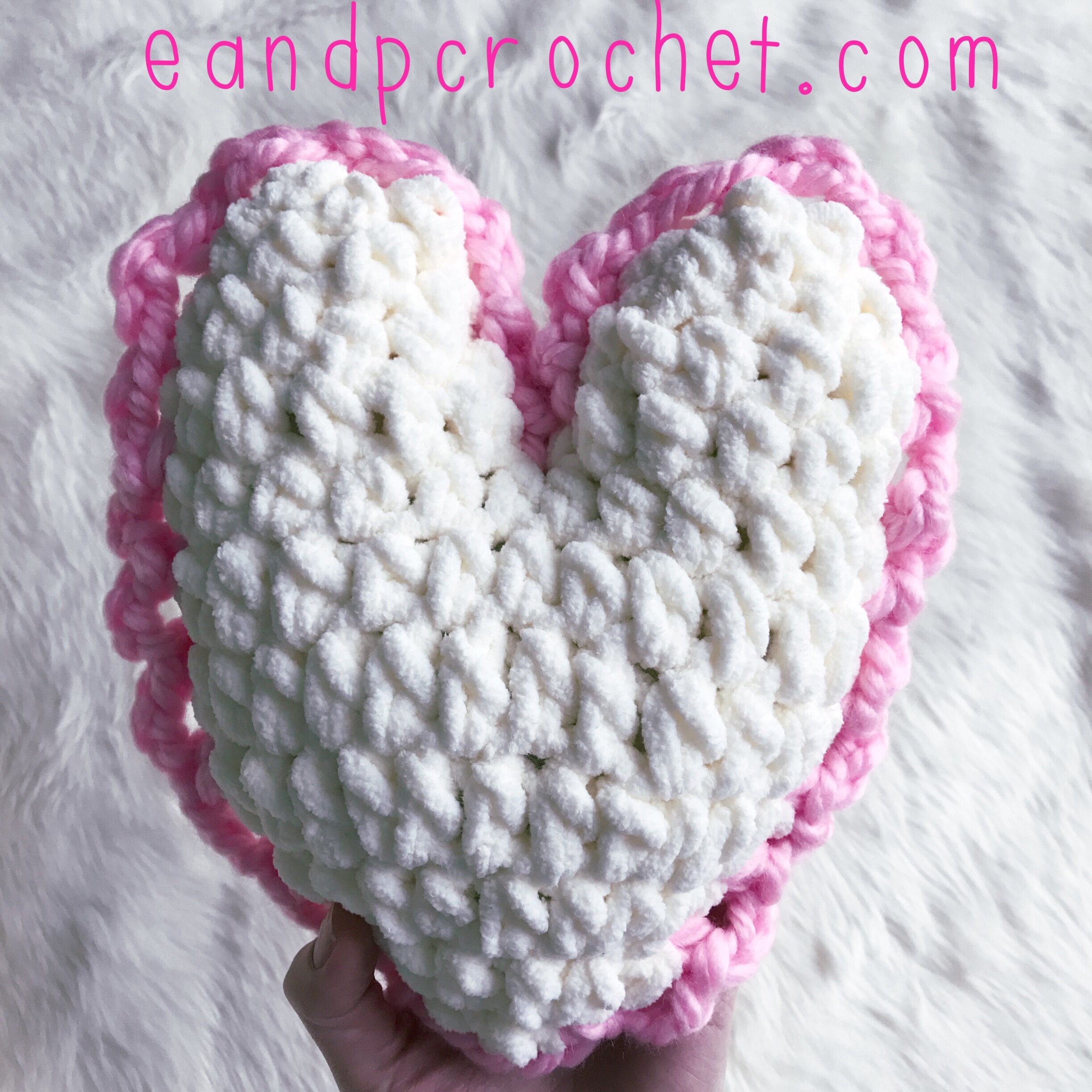 Pattern Small Heart Pillow Evelyn And Peter Crochet